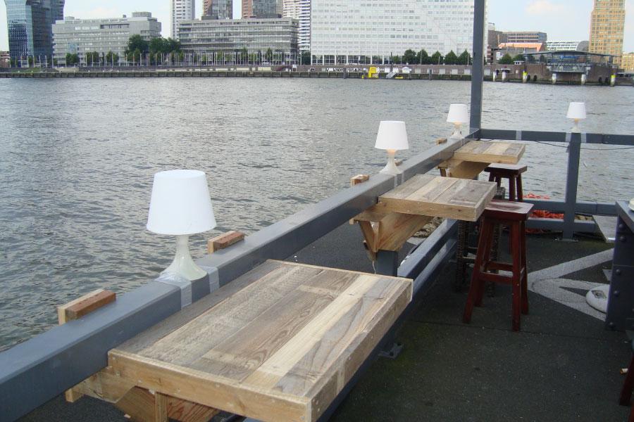 Houten Balkon Meubels : Hangtafel of balkon tafel duurzame meubels op maat okkehout™